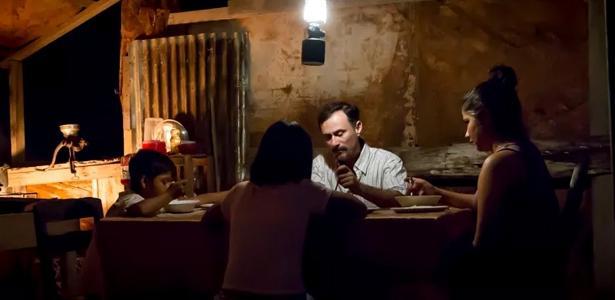 cena-do-filme-los-silencios-de-beatriz-seigner-que-conta-com-enrique-diaz-no-elenco-1525524700631_v2_615x300